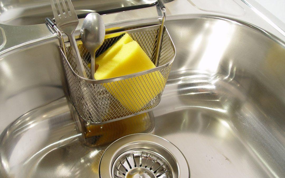 Vnitřní vybavení kuchyní a úložné prostory v kuchyni